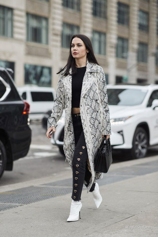 ... New York Fashion Week. Уличная мода  Стритстайл на неделе моды в Нью- Йорке сезона осень-зима 2018-2019 65b58e1e0c8