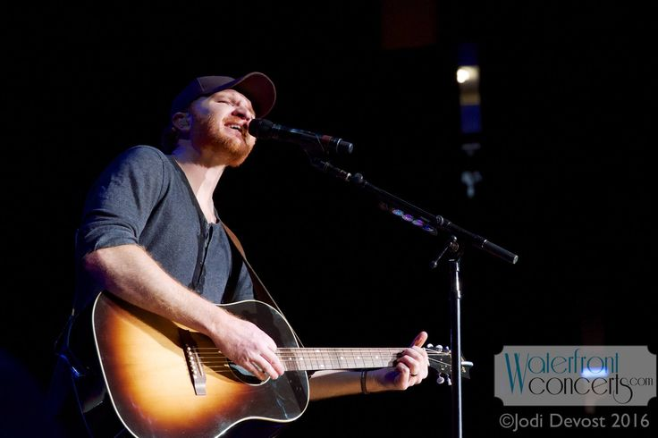 Eric Paslay performing at Cross Insurance Center in Bangor, Maine.