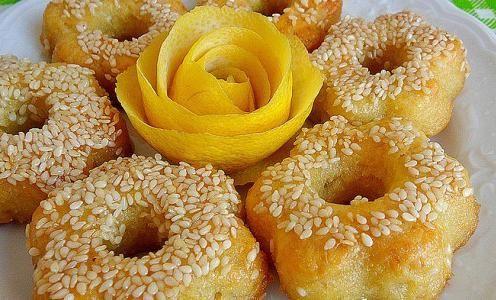 Σιροπιαστά κουλούρια λεμονιού