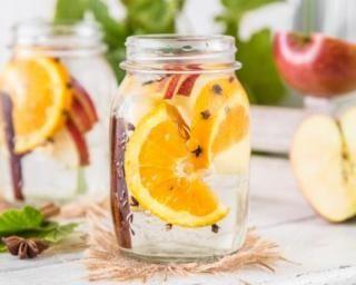 Boisson minceur à l'orange et au vinaigre de cidre pour perdre du ventre : http://www.fourchette-et-bikini.fr/recettes/recettes-minceur/boisson-minceur-a-lorange-et-au-vinaigre-de-cidre-pour-perdre-du-ventre