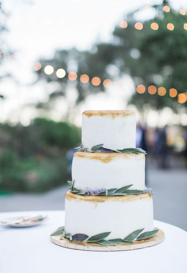Lavender, wedding cake brushed with gold, greenery // Kiel Rucker Photography