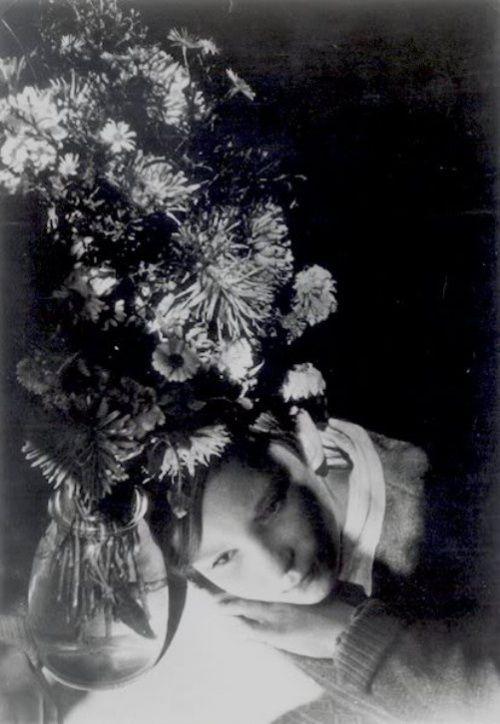 Aleksandr Rodchenko – Portrait of my daughter, 1935