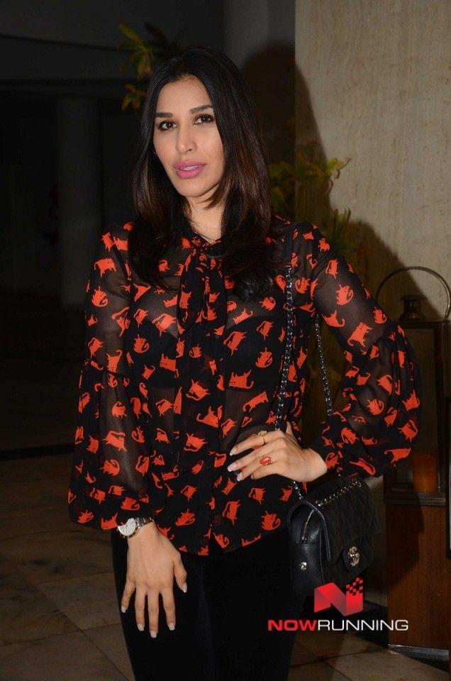 Manish Malhotra hosts a bash for Priyanka Chopra
