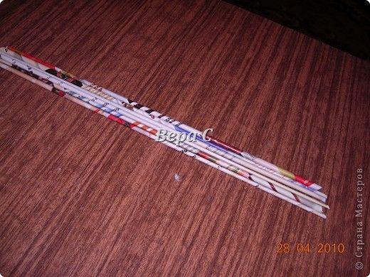 На просторах  иностранного сайта увидела  вот такое плетение.Решила испробовать и сразу же  делиться с вами,мои  плетеночники. Берем 6 палочек,можно больше(четное). фото 1