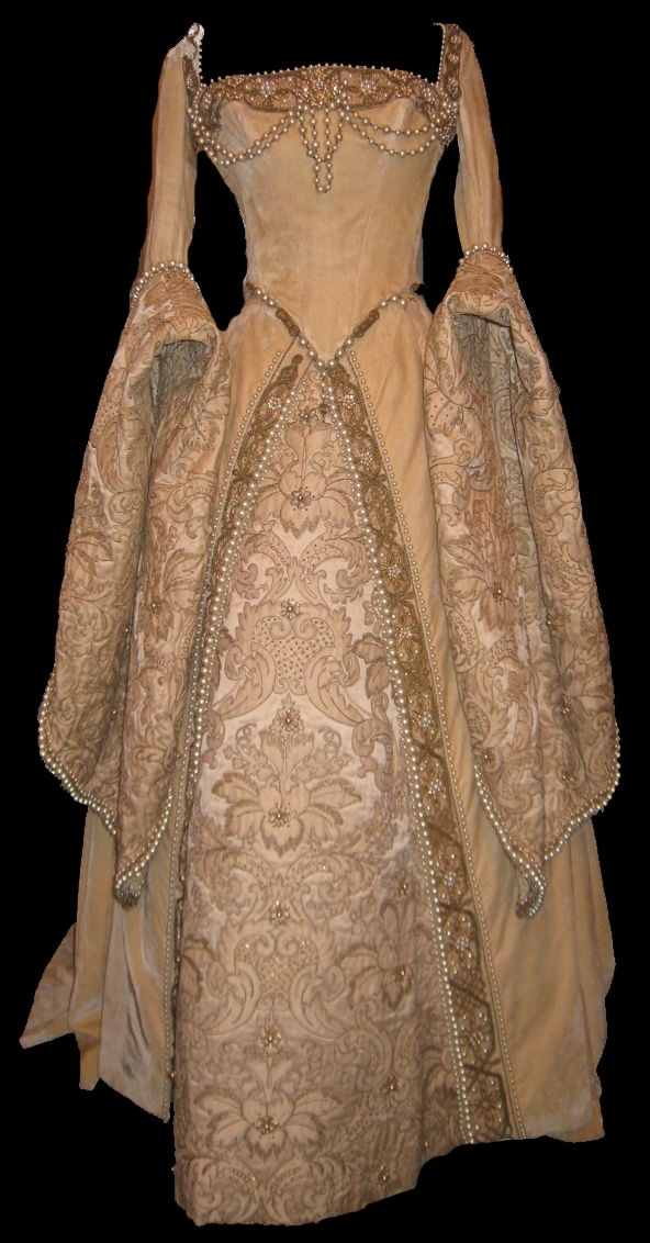 Tudor Costume. There is definitely a piece of me that wants to wear this at my wedding. I don't think Matt would like that though. Lol