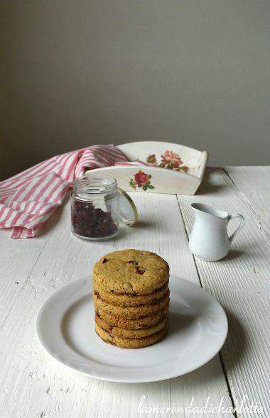 Finalmente sono riuscita a fare questi buonissimi biscotti ai cereali, con farina di avena e i mirtilli rossi essiccati! Li volevo fare da molto tempo perche' adoro i cereali e avevo voglia di avere dei …