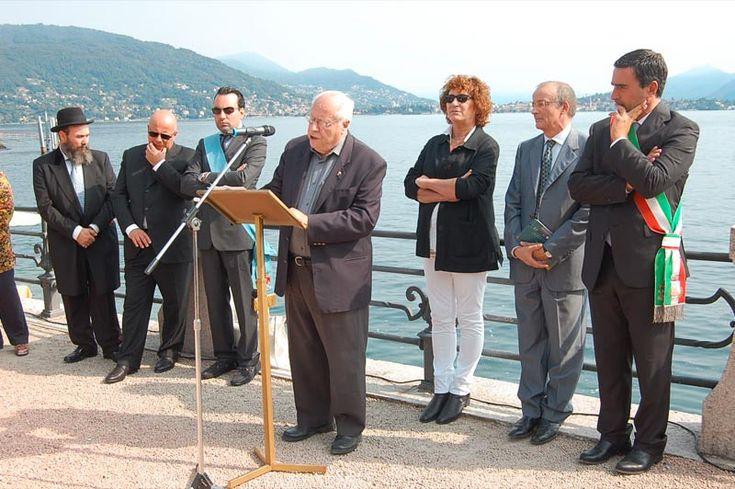 Il consiglio comunale di Baveno ha conferito a Don Alfredo Fomia la cittadinanza onoraria. Don Alfredo è stato per molti anni prevosto del comune...http://ilvergante.com/baveno-cittadino-onorario-don-alfredo-fomia/