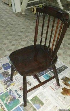 Olá a todos Segue as fotos de uma cadeira que restaurei com ajuda de meu pai Não tirei fotos do antes mas posso dar um descritivo: Uma haste traseira solta Uma haste faltando Duas hastes traseiras…