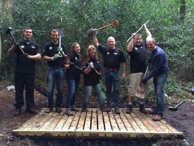 Sytner Sutton have been volunteering in their local park to help rebuild some footbridges. A great way of giving back to the community!