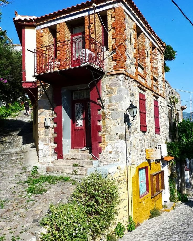 Xaris Xaris - Google+ - Molyvos village, Lesvos island, Greece #greekphotos Αυτό…