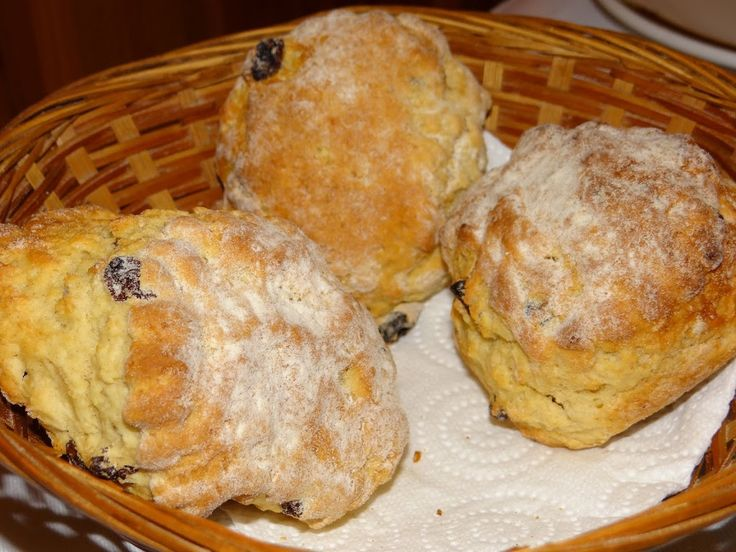 Recipe and tips for making sweet Irish Breakfast scones. Traditional Irish breakfast scone recipe.