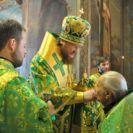 Накануне дня памяти прп.Феодосия Киево-Печерского епископ Боярский Феодосий совершил богослужение в Крестовоздвиженском храме столицы