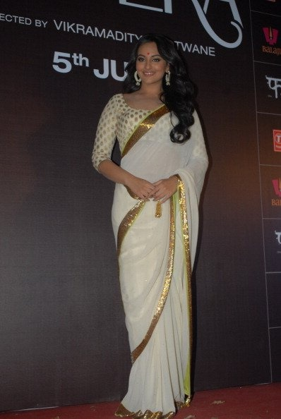 Sonakshi Sinha sari white and gold