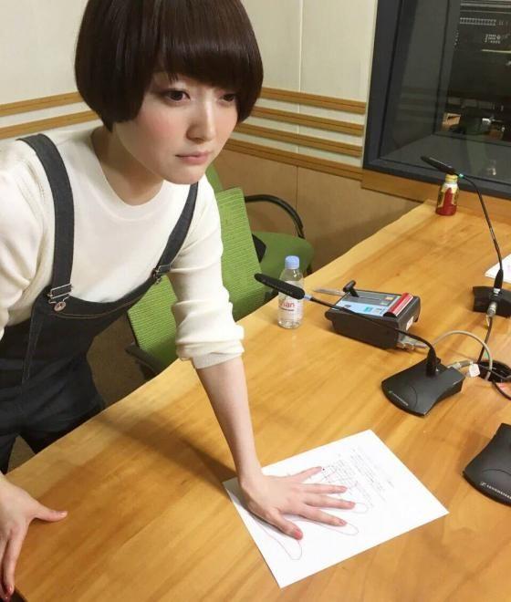 【悲報】花澤香菜さん、やりたくもない仕事をやらされ魂が抜ける