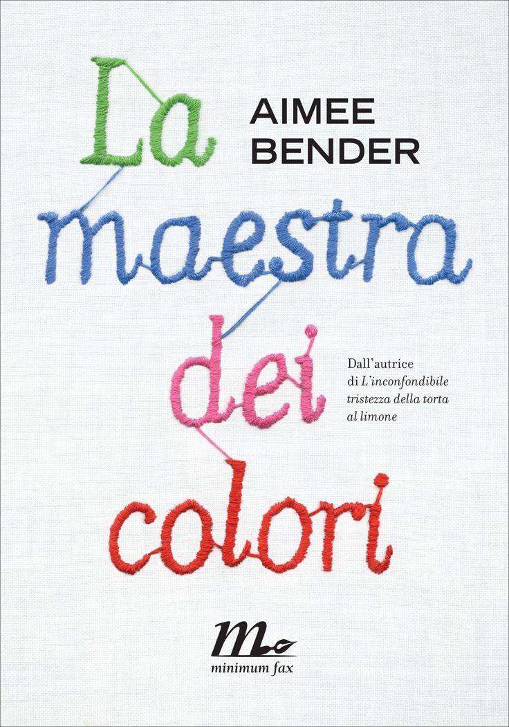 """Fin dal 1999 il New Yorker aveva segnalato Aimee Bender come uno dei «venti scrittori per il 21° secolo»; """"La maestra dei colori"""", accolta da elogi unanimi da parte della critica statunitense e inserita dal New York Times nella lista dei libri più importanti dell'anno, non fa che riconfermarne il talento.  http://www.minimumfax.com/libri/scheda_libro/659"""