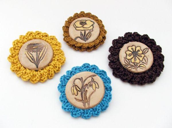 polymer clay brooch with crochet / kitűző süthető gyurmából horgolással http://habcsi.blogspot.hu/