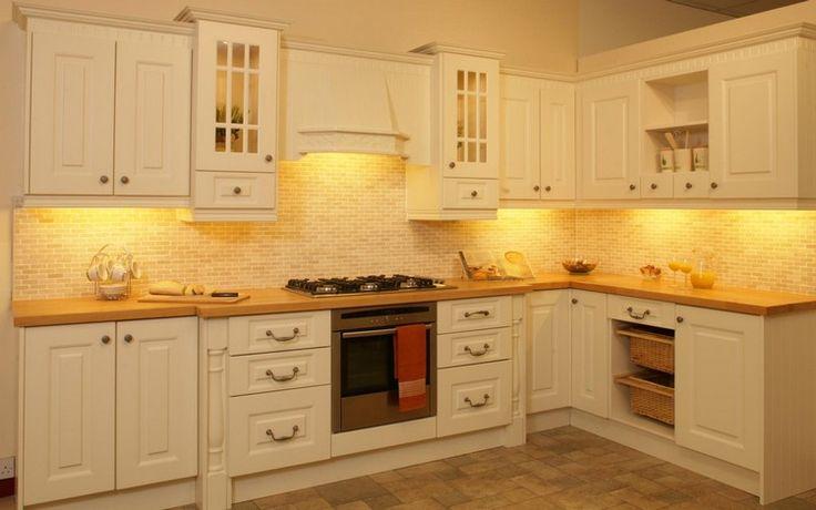 Ahşap mutfak modelleri ile ilgili birçok görseli sizlere güzel fikirler vermesi amacı ile paylaştık. Kendi mutfak alanınıza ve zevkinize göre modern ve sıcak alanları dizayn edebilirsiniz.