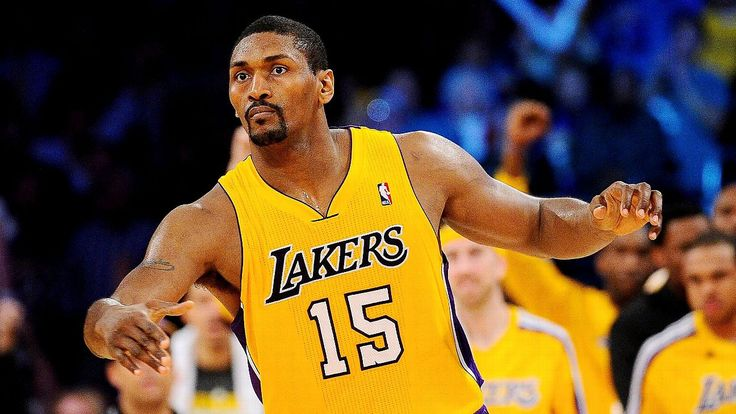 Kobe Bryant out at Miami with back issue; Metta World Peace gets start