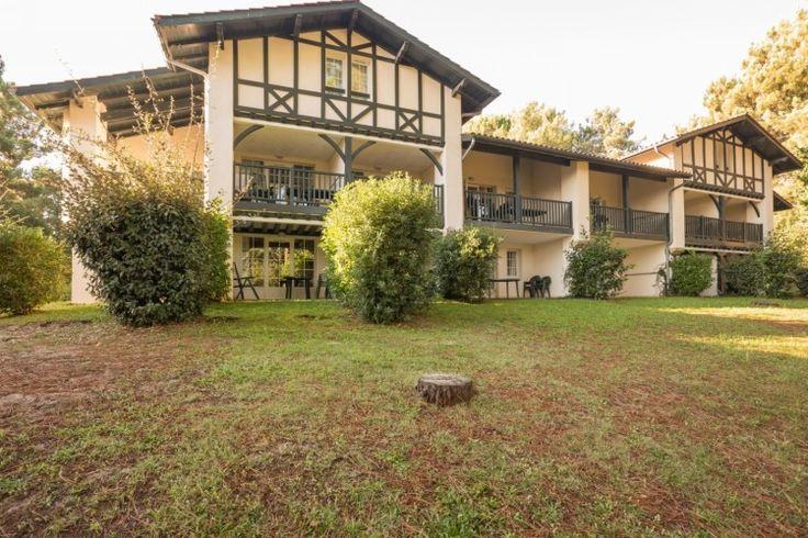 Vakantiehuis in Biscarrosse (Nouvelle-Aquitaine) Uw residentie:De residentie is omgeven door groen en de magnifieke golf van Biscarrosse. Het is slechts 300 m van van het strand aan het meer. En op 4,5 km van het strand van de oceaan.Activiteiten:Ha