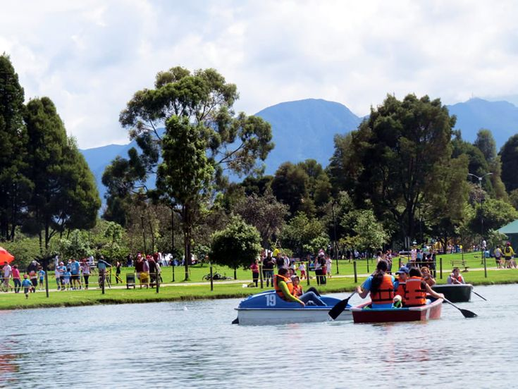 Trancón de lanchas: http://www.tuhotelbogota.co/category/parques/parque-simon-bolivar/