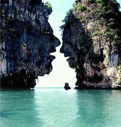 Lover rocks lagoon!