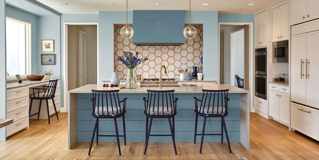 25 Beautiful Kitchen Color Ideas That Will Refresh Your Eyes Kitchen Wall Colors Oak Kitchen Cabinets Wall Color Kitchen Paint