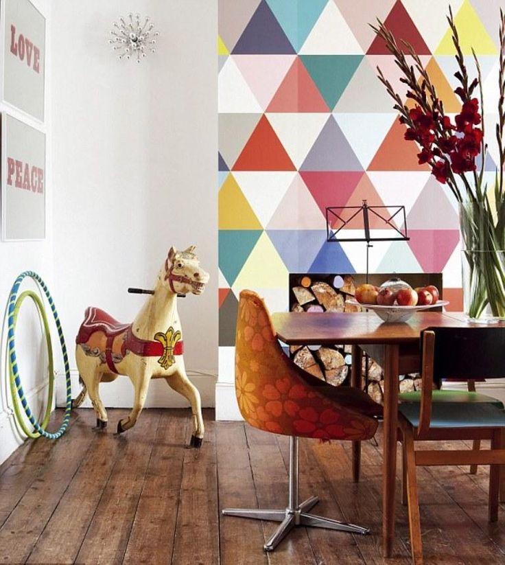 idée de papier peint géométrique de style vintage à triangles pastel