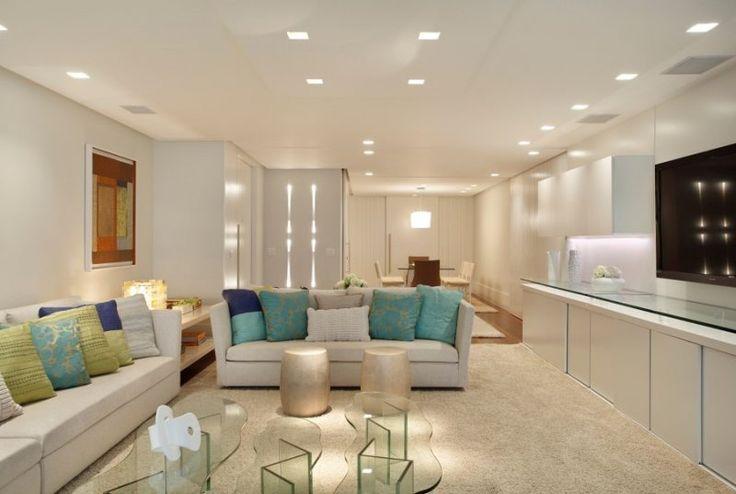 Iluminação geral de sala de estar com luminárias LED de embutir