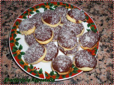 Galletas de mazapán, chocolate y coco
