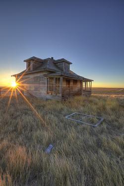 Sunrise Abandon - Old homestead in Saskatchewan
