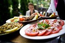Rendezvényszervezés akár szabadtéren is.  http://parteam.hu/catering.php