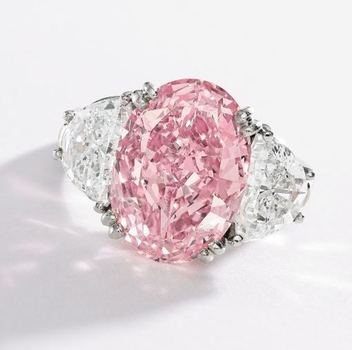 Amazing Evelyn Lauder's 6.54 ct. fancy intense pink diamond ring that will be auctioned this coming December 5th by Sotheby's in New-York.
