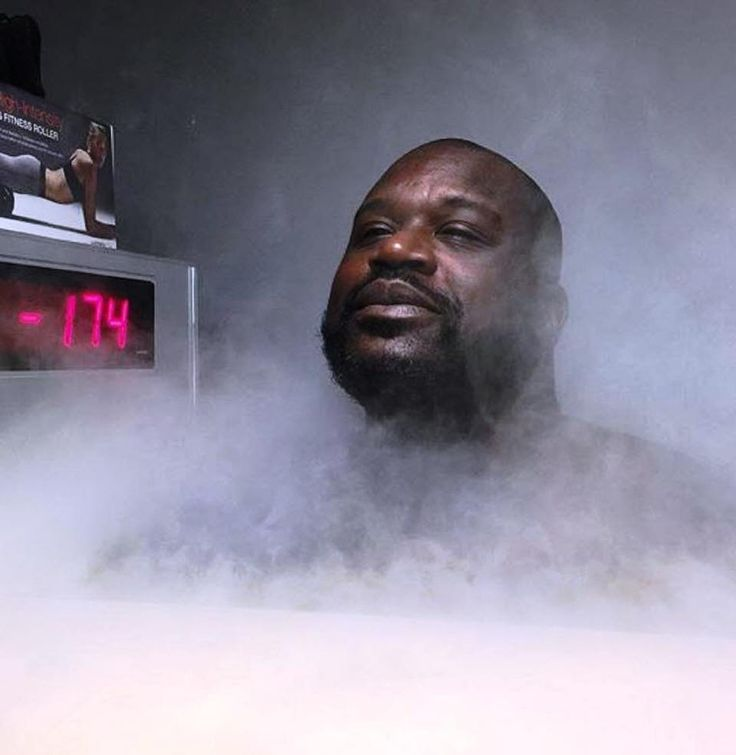 Shaquille O'Neal using Cryotherapy