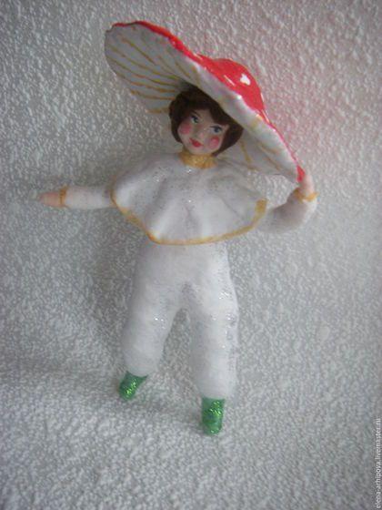"""Человечки ручной работы. Ярмарка Мастеров - ручная работа. Купить Ёлочная игрушка из ваты """"Ребёнок в костюме гриба"""". Handmade."""