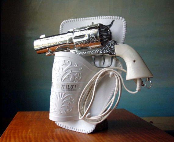 357 Magnum Hair Dryer.  Vintage Novelty Pistol Gun Hairdryer