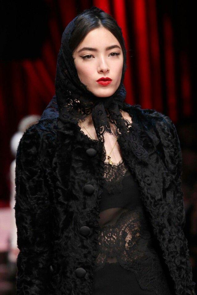 Dolce &Gabbana headscarf fashion Tiana Tolstoi