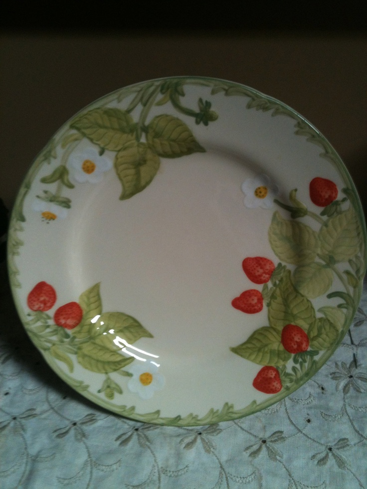 Vintage STRAWBERRY FAIR Salad Plate by Franciscan Ware. $10.00 via Etsy. & 270 best Franciscan Dinnerware images on Pinterest | Cutlery Desert ...