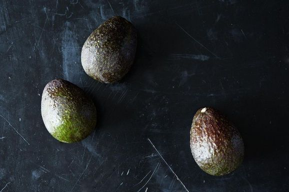 Avocados. Try them in gelato, chocolate mousse, or a shake.Here'sfive delicious dinners. We've got a whole week's worth of ideas for you, and we can't wait to hear how you'll be eating avocados in the days ahead. Fri: Full Belly Stuffed and Baked Avocado Sat: Fried Avocado Tacos with Sesame and Lime Sun: Avocado y Huevos Caliente Mon: Patricia Wells' Zucchini Carpaccio with Avocado and Pistachios Tues: Plum Avocado Summer Salad Wed: Avocado Lassi Thurs: Avocado Caesar Salad