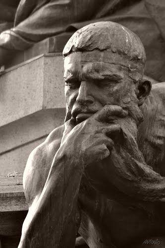 Minosse - https://it.wikipedia.org/wiki/Monumento_a_Dante