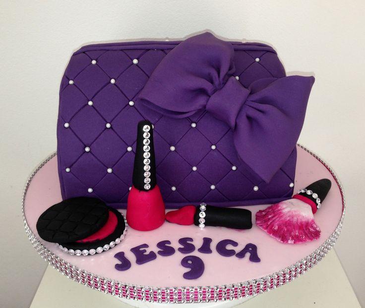Best 25+ Purse cakes ideas on Pinterest Handbag cakes ...