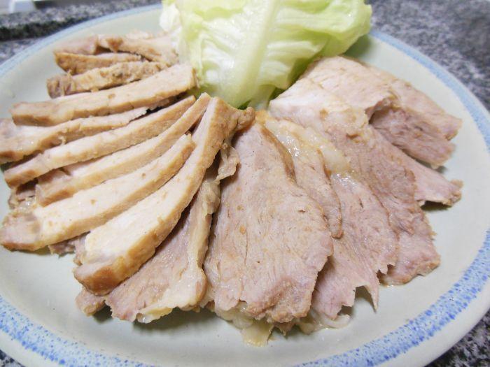 Receita de Bossam (보쌈): trouxinhas de carne de porco cozida