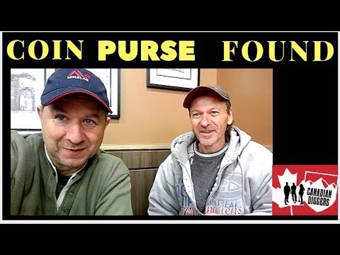 Large coin purse spill. Canadian Diggers Metal Detecting.