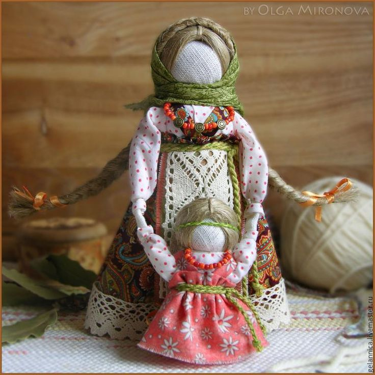 Ведучка — мать, бабушка, крёстная, сестра, а возможно, и мачеха или воспитательница, то есть та женщина, которая ведёт ребёнка за руку. Понятие вести за руку или за руки заключает в себе и прямой, и переносный смысл. С одной стороны, ребёнку необходима телесная помощь, чтобы двигаться по физическим плотностям этого мира. С другой стороны, ребёнку необходима помощь, указывающая путь не …