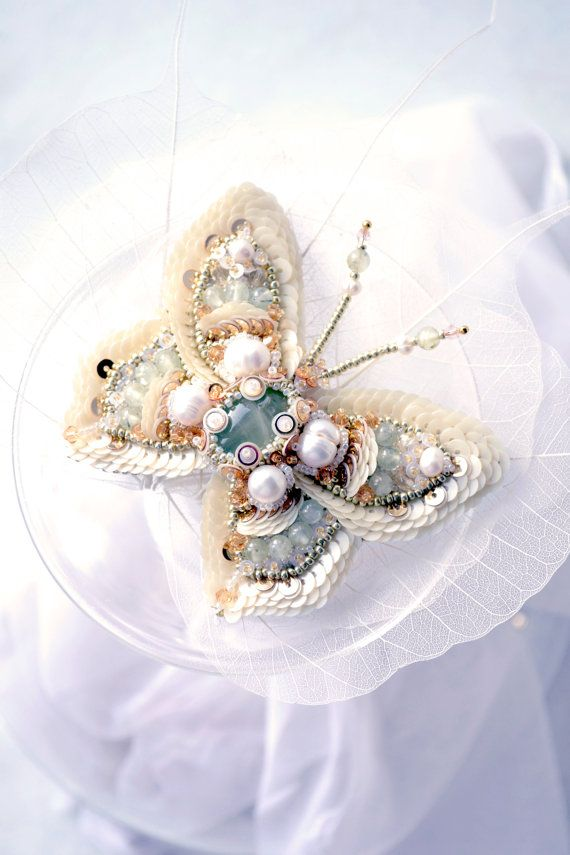 READY to ship! Nature jewelry, insect jewelry, butterfly jewelry, butterfly brooch, bead embroidery, beaded buttefly #BestofEtsy #Design