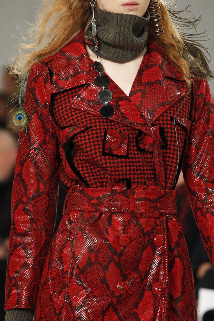 Maison Margiela Fall 2017 Ready-to-Wear Fashion Show Details