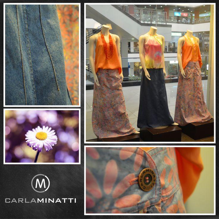 Los estampados en flores, en varios colores hacen parte de nuestra colección Guadalquivir. El color mandarina también hace parte de nuestra nueva paleta de colores. #cmvitrinadeldia