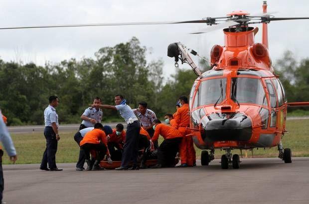 Evakuasi Korban AirAsia QZ8501 di Pangkalan Bun