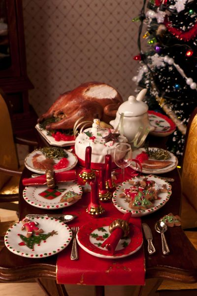 one inch scale Christmas miniature food, dollhouse Christmas, ...    hummingbirdminiatures.blogspot.com