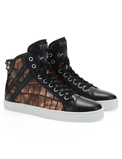 #HOGANREBEL R182 Online #limitededition for High-top sneaker from #KieraChaplin. The shoe is printed in metallic #crocodile #leather effect with #studs. Embellished with kiss and the signature of Kiera Chaplin. Discover the appeal of #glam #rock here hoganrebel.com/women