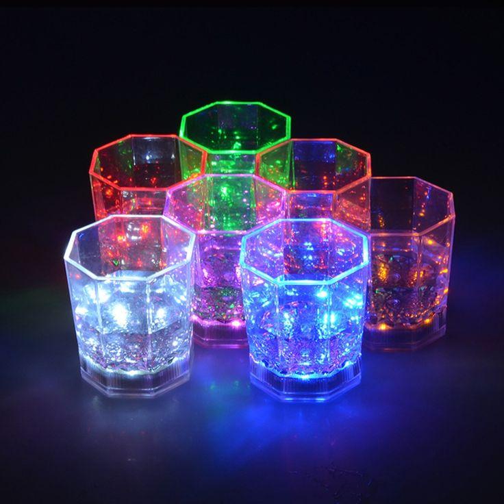 Barato 8 Cores CONDUZIU a Lâmpada Copos Plásticos Transparentes Clube Bar Copo de Vinho Colorido Piscando Octogonal Uísque Copos Luminosos, Compro Qualidade   diretamente de fornecedores da China: 8 Cores CONDUZIU a Lâmpada Copos Plásticos Transparentes Clube Bar Copo de Vinho Colorido Piscando Octogonal Uísque Copos Luminosos